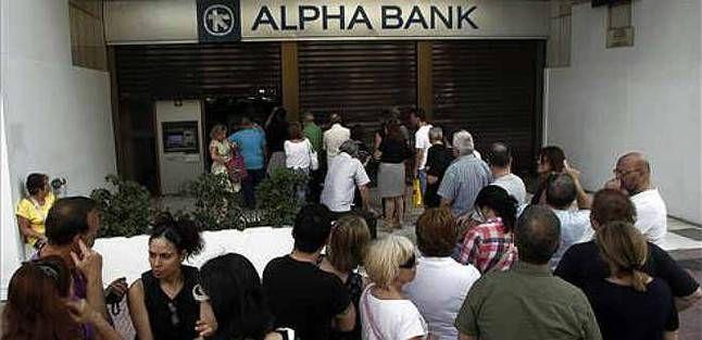 Grecia cierra los bancos