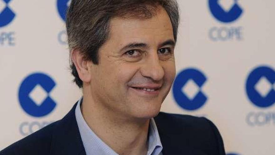 El periodista deportivo Manolo Lama da positivo por COVID-19