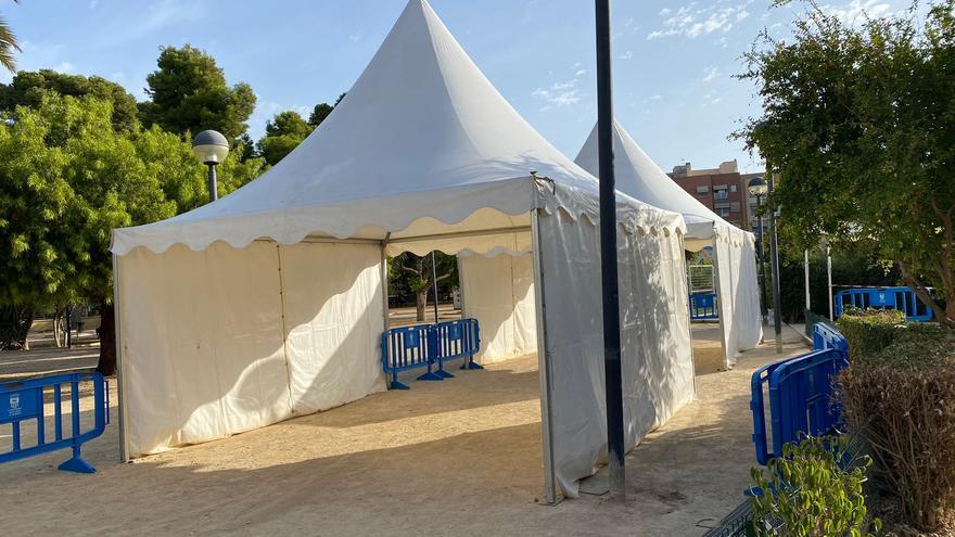 La concejalía de Sanidad aumenta las zonas de sombra del centro de vacunación de Sant Joan