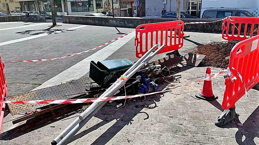 El PP brigantino exige eliminar la chatarra de la plaza Novoneyra