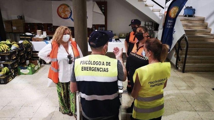 Un centenar de psicólogos auxilia a los damnificados por el volcán para combatir el estrés y la ansiedad
