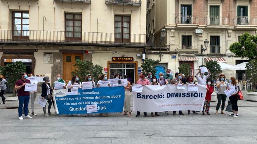 Oltra apela al diálogo con los sindicatos ante la reversión del departamento de salud de Torrevieja