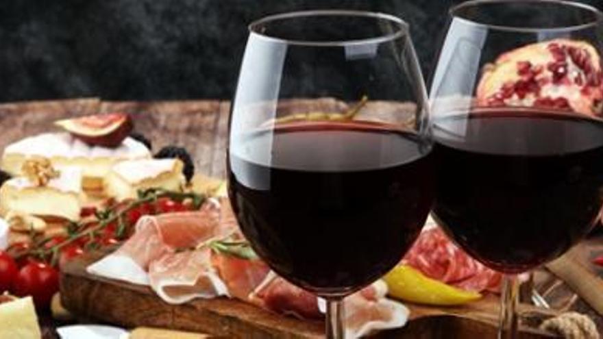 Sanidad advierte de una bacteria presente en pescados, vino y queso que puede causar intoxicaciones