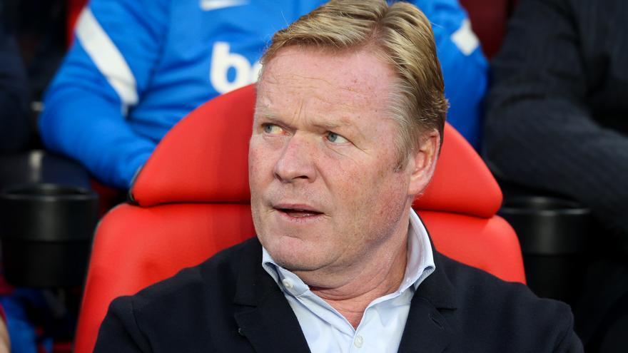Ronald Koeman, destituido como entrenador del Barça