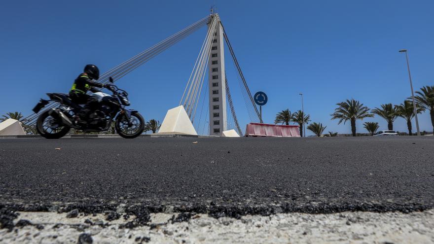 Técnicos descartan inestabilidad en la ladera donde está el puente del Bimil·lenari