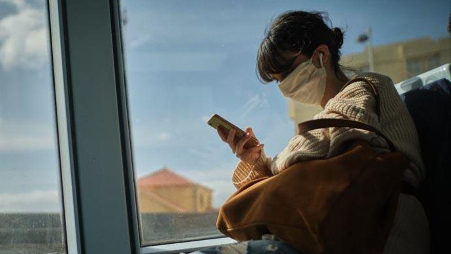 Un positivo en Covid miente a sus amigos para ir a una fiesta y causa un brote con 8 contagios en Tenerife