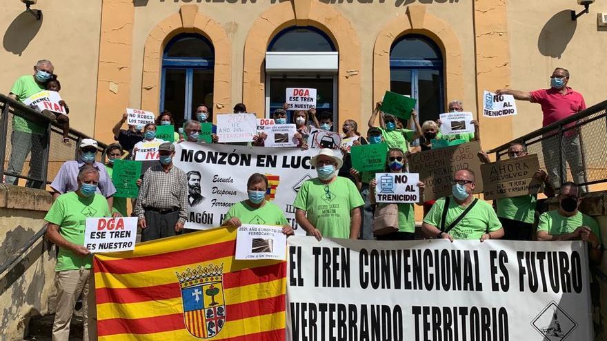 Las plataformas en defensa del tren en Aragón protestarán en Madrid