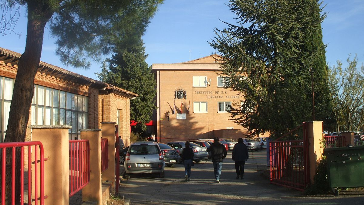 Entrada del instituto González Allende.