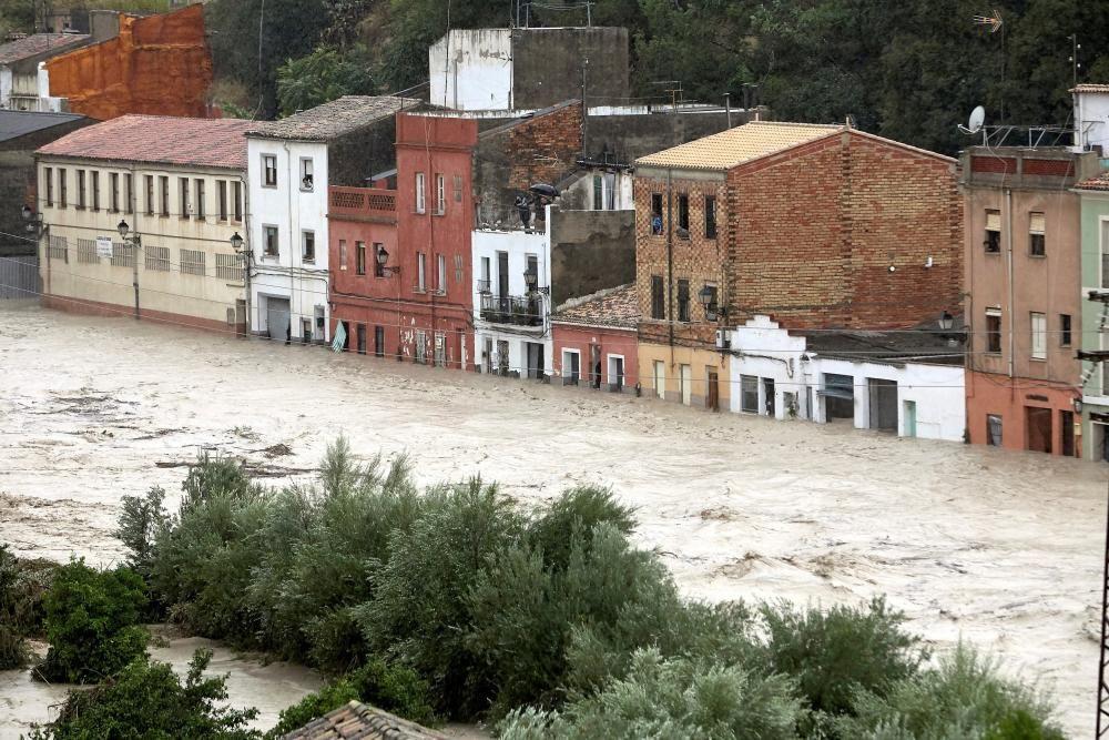 Desbordamiento del río Clariano a su paso por ...