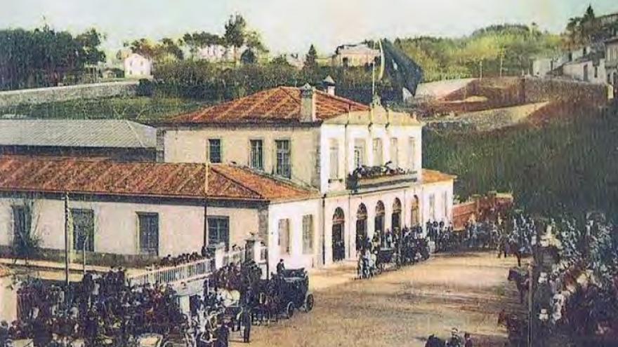¿Recuerdan la fachada de la original estación ferroviaria de Urzáiz?