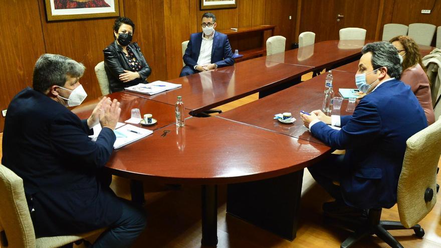 El Ayuntamiento y el Cabildo impulsan una nueva fórmula para mejorar los polígonos industriales