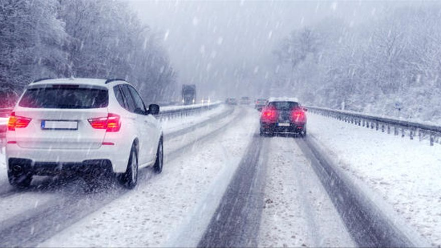 Diez consejos imprescindibles para conducir de forma segura con nieve o hielo