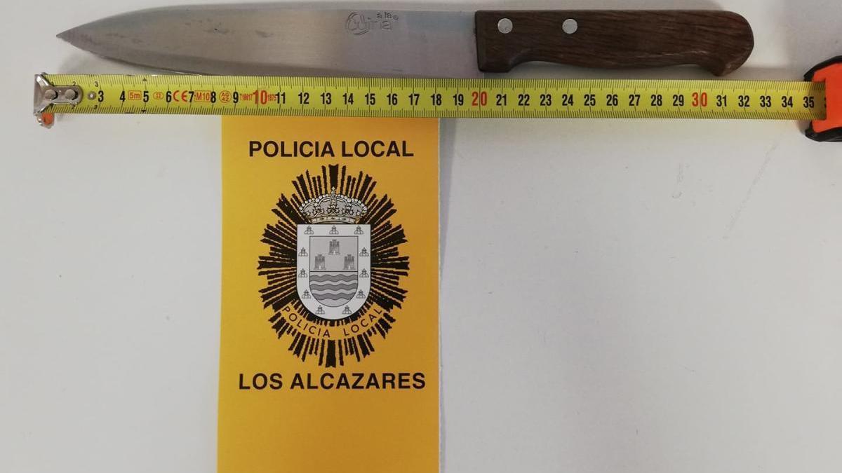 El cuchillo intervenido por la Policía Local.