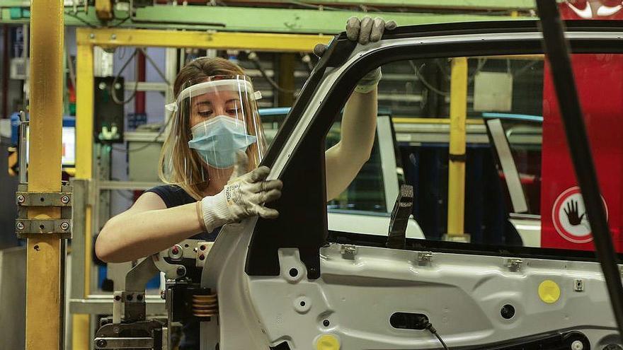 Ford Almussafes parará la producción durante un mes por la caída de ventas