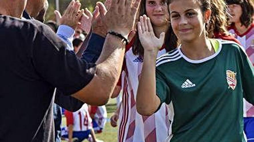El CE Manresa presenta els seus 33 equips, cinc dels quals femenins