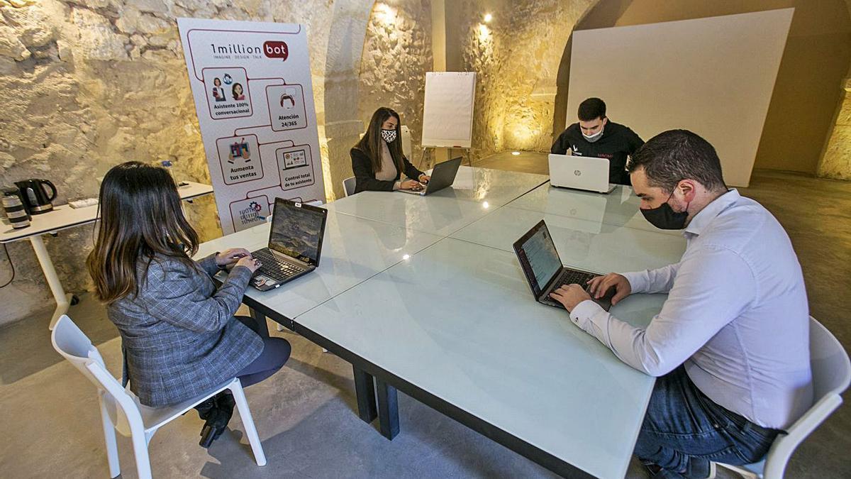 1MillionBot y Devesa & Calvo se alían para crear un asistente jurídico virtual