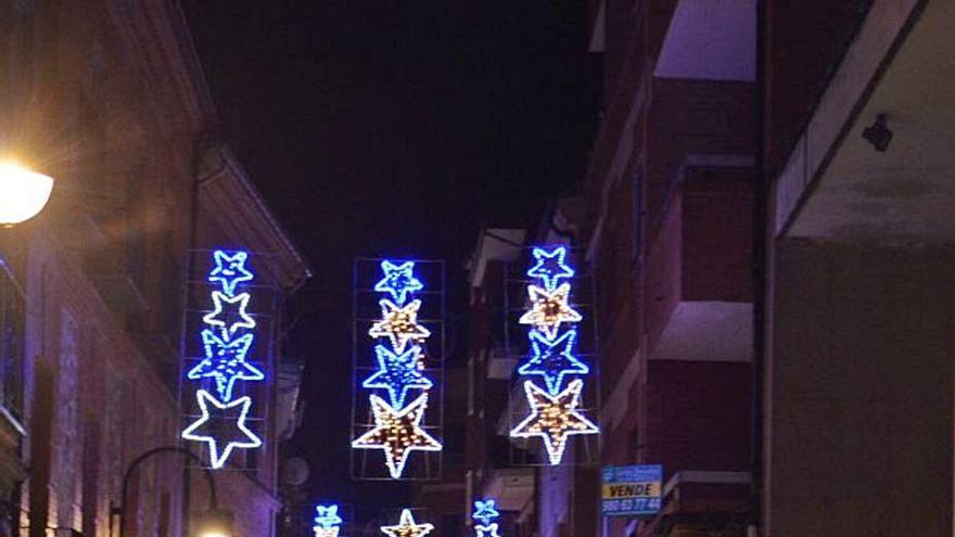 Benavente licita las luces y la ornamentación para Navidad