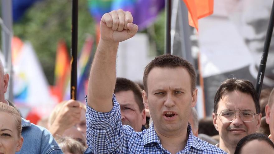 Navalni se muestra en redes sociales y dice estar mejor