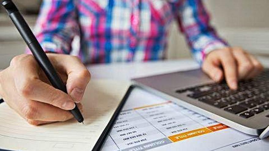 Els tècnics tributaris voldrien una pròrroga de la declaració de renda fins a setembre