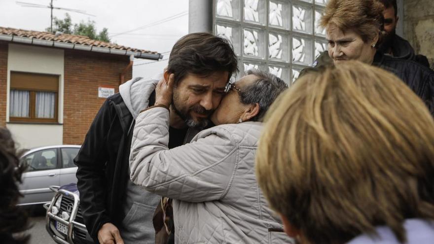 Rafael Mayoral reclama parar los desahucios en La Camocha si no hay viviendas alternativas para las familias