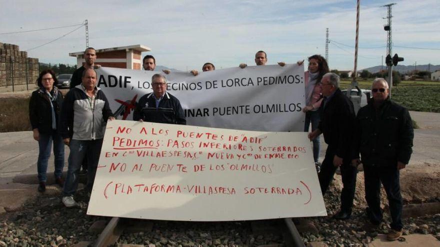 Los vecinos de Tercia se oponen a la vía de tren alternativa de ADIF