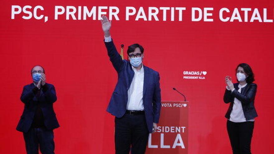 Illa enllesteix les trucades als partits per anunciar que es presentarà com a President