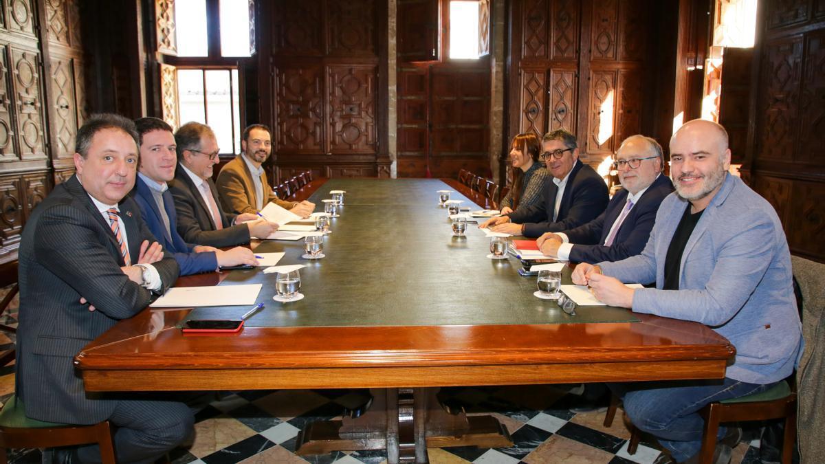 Miembros en la pasada reunión de la Comisión Bilateral.