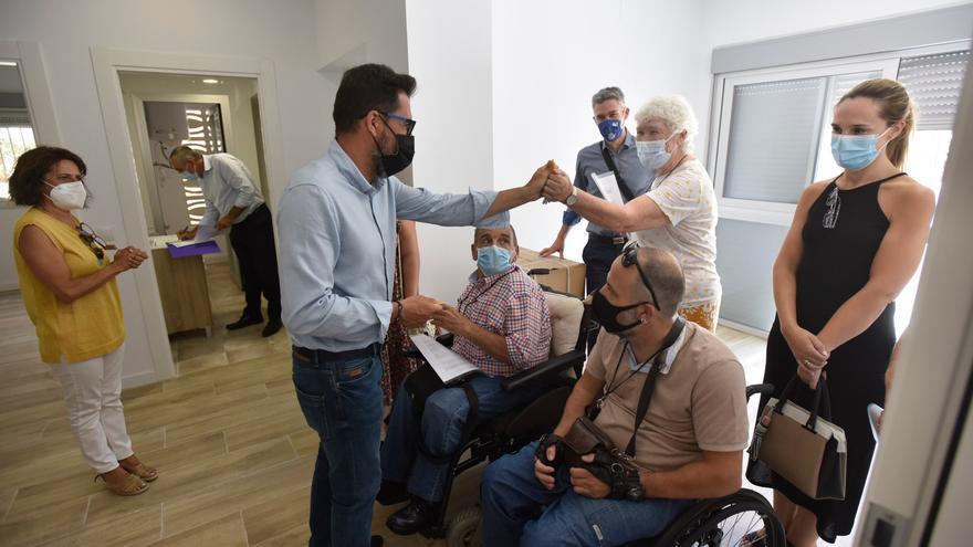 Málaga entrega las llaves de nuevas viviendas a personas con discapacidad