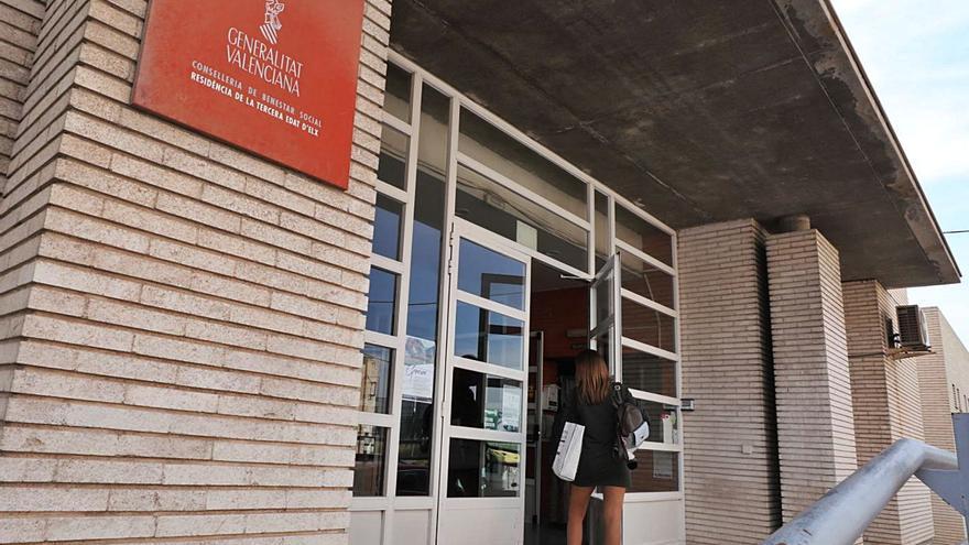 Familiares de la residencia de mayores de Altabix afirman que llevan sin médico tres semanas