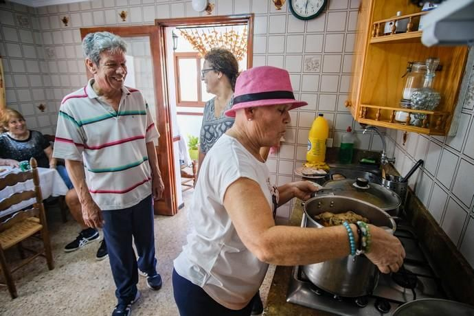 28.06.18. AGAETE.  BAJADA DE LA RAMA, EL VALLE ...