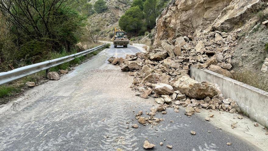 Cortan el tráfico en tres vías de la Región por las lluvias