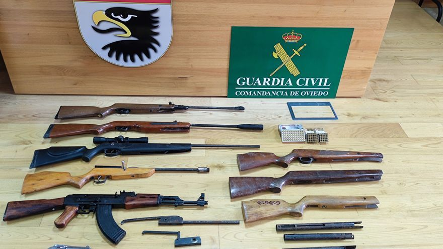 Investigado un allerano de 30 años por tener un arsenal sin licencia