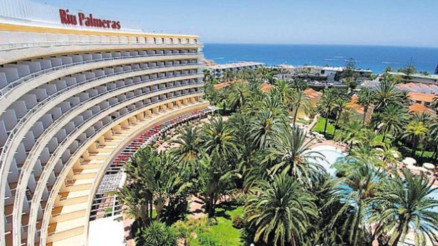 Riu reajusta su planta hotelera en Canarias