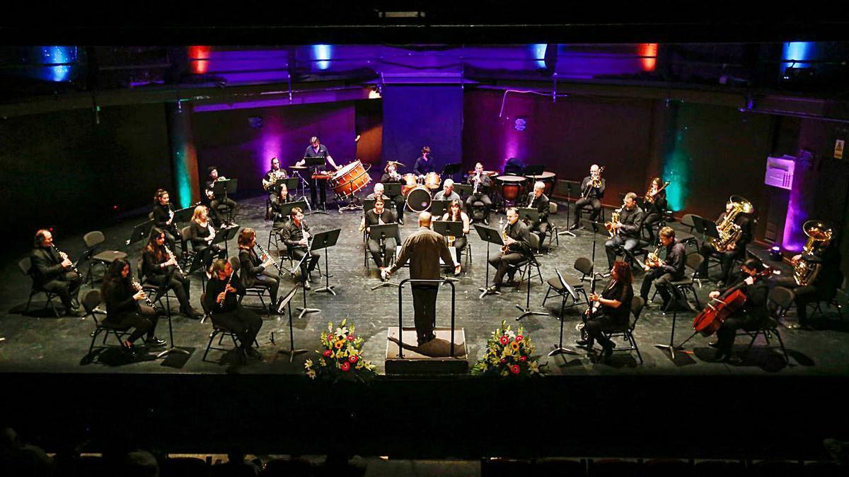 El primer concierto del año de la Banda Ciutat d'Eivissa se celebró en Can Ventosa. | TONI ESCOBAR