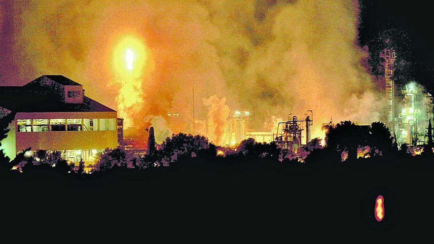El Govern ja té l'informe que va encarregar arran de l'explosió a la petroquímica