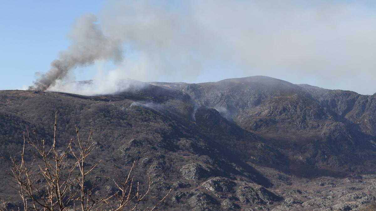 Fotografía de archivo de un incendio en la sierra de Sanabria