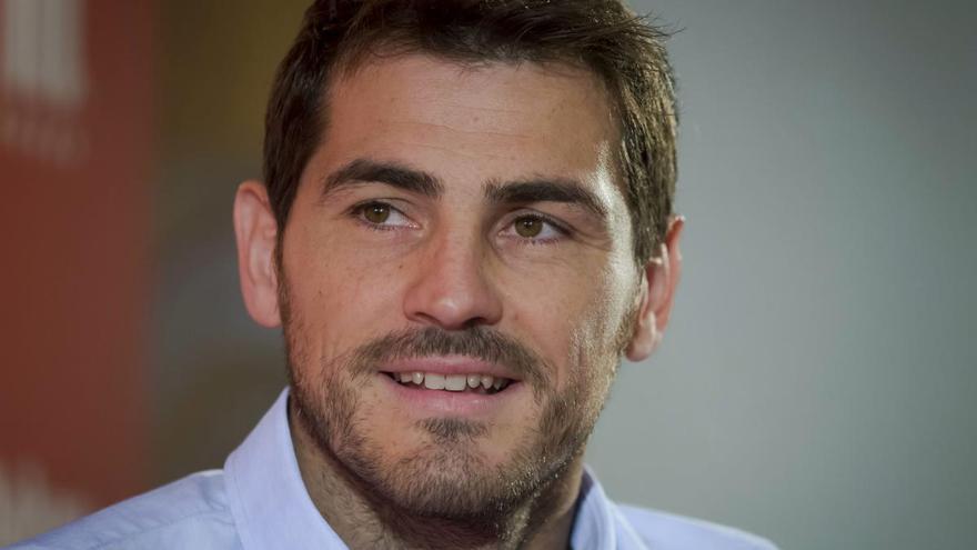 Casillas recuerda su debut en el nuevo avance de 'Colgar las alas'
