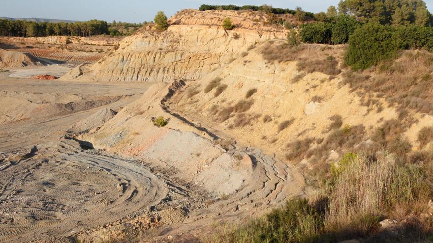 La Conselleria d'Habitatge cierra el expediente del vertedero de Barxeta y deniega su construcción