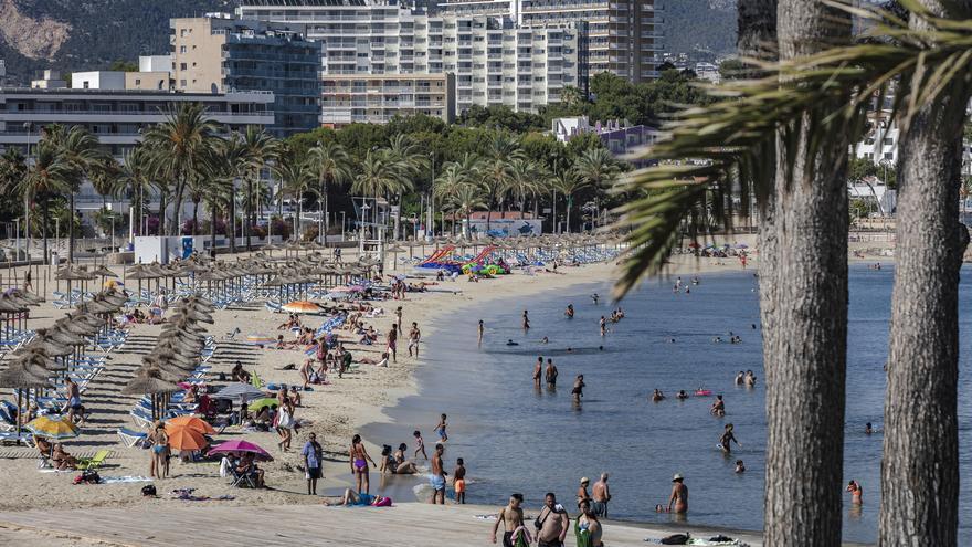 Cuatro de cada diez españoles prefieren este verano ir a un destino de playa en coche ante imprevistos