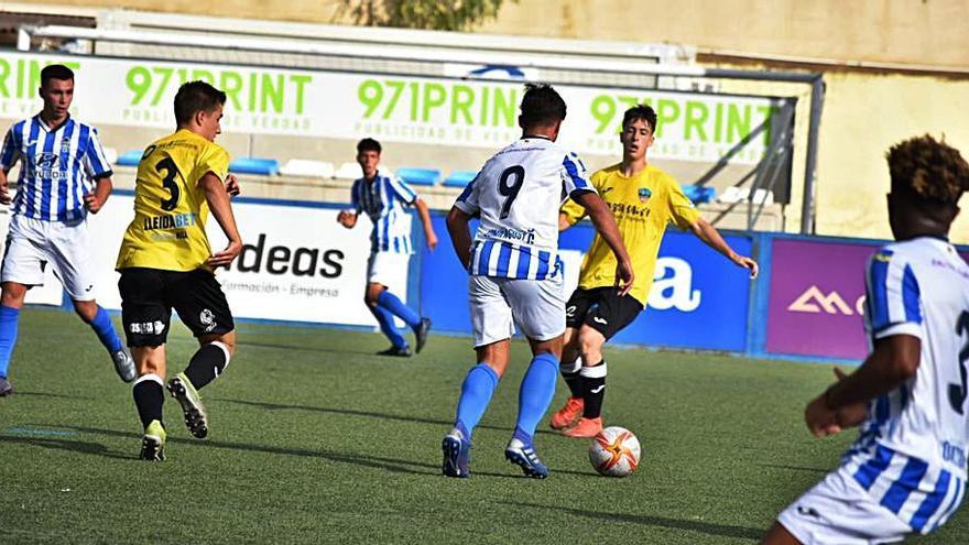 El Atlético Baleares logra la única victoria mallorquina