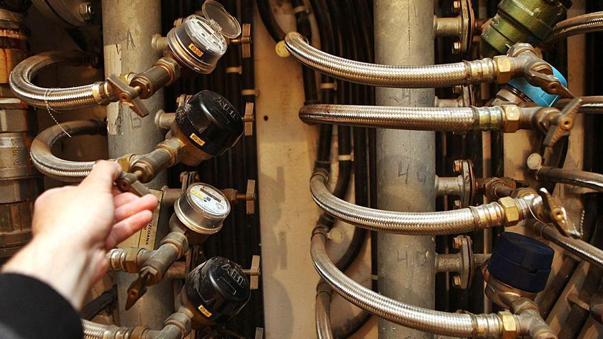 Arteixo se prepara para externalizar la lectura y sustitución de los contadores del agua