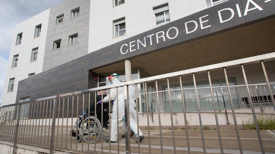 Uno de cada tres españoles dice haber llorado por la pandemia, según el CIS