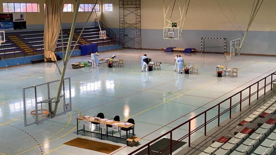 Ourense baja hasta los 825 pacientes de Covid, pero suma dos nuevos fallecidos