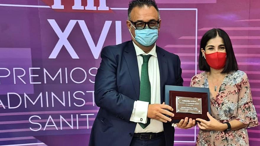 El director del Servicio Canario  de la Salud, Premio Sanitaria 2000