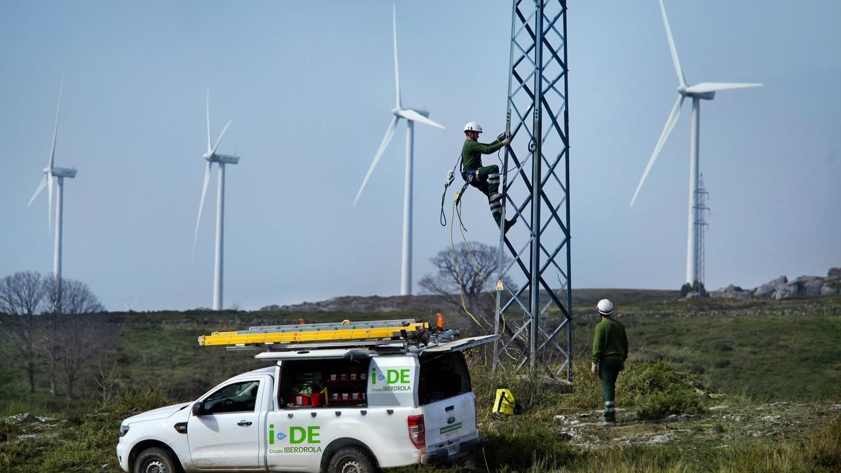 Trabajos de mantenimiento en las redes eléctricas.