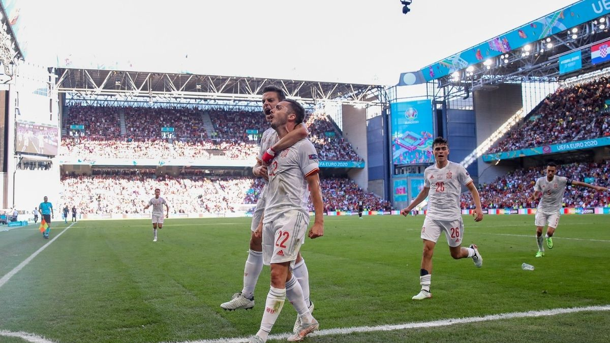 Pablo Sarabia celebra su gol ante Croacia