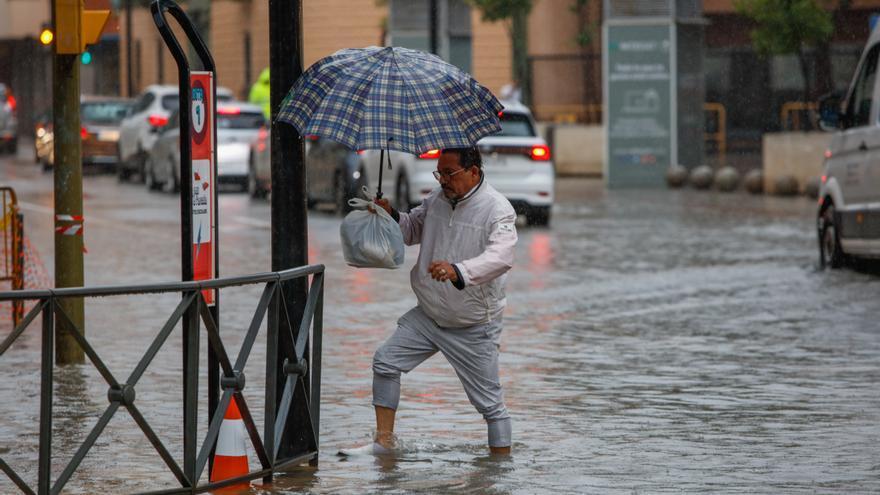 Lluvia en Ibiza: las quejas de los ciudadanos por las inundaciones y las alcantarillas saturadas