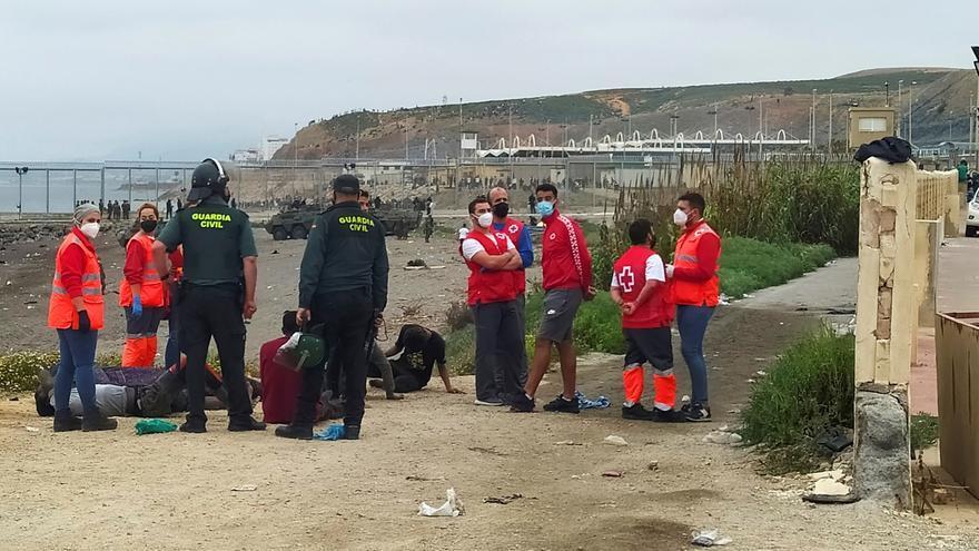 """Sánchez: """"El Gobierno defenderá la integridad de Ceuta como parte del país"""""""