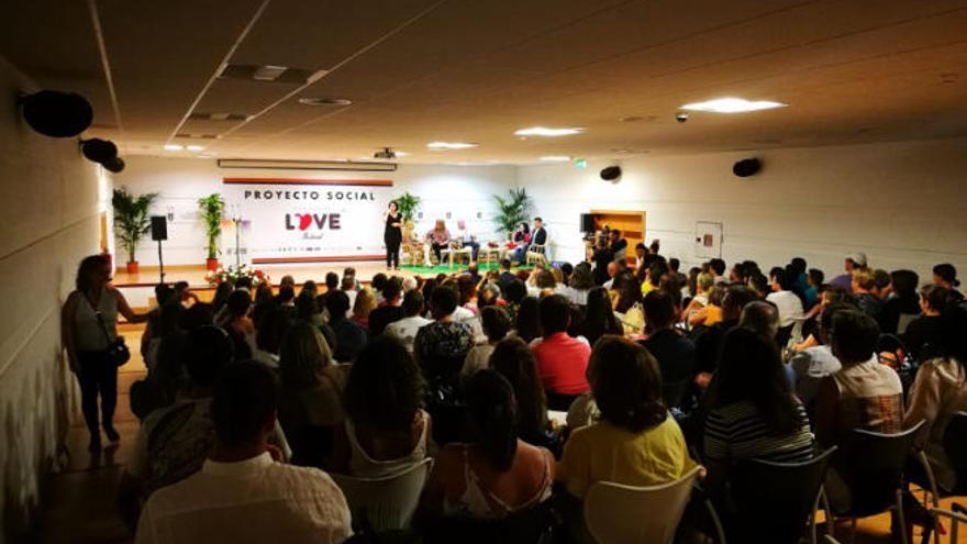 Topacio Fresh, invitada principal de la Convención Social del Isla Bonita