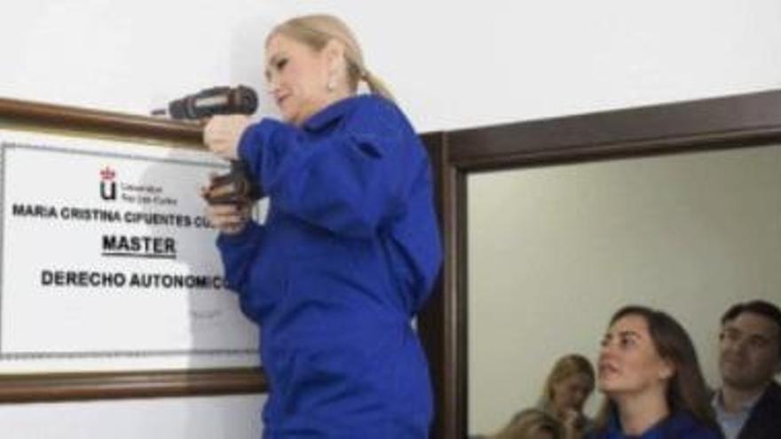 """El PP busca pistes al Twitter sobre el """"muntatge"""" del presumpte màster de Cifuentes"""